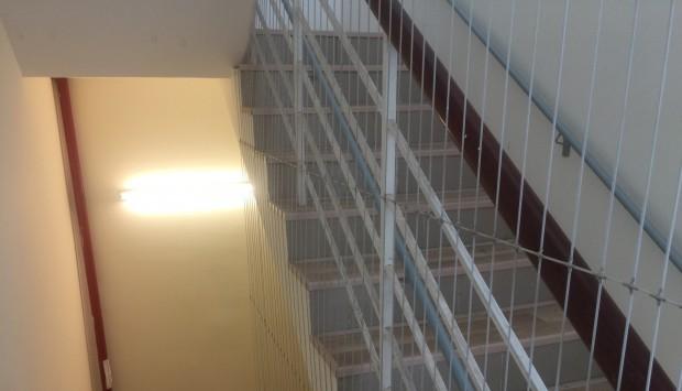 Lắp đặt lưới cầu thang nhà cao tầng tại Hải Phòng