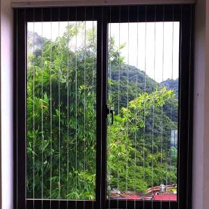Lưới an toàn cửa sổ chung cư Hòa Phát