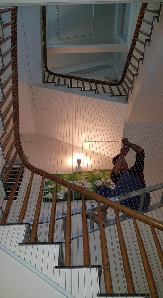 thi công lưới bảo vệ cầu thang